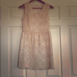 Ivory Vintage Lace Dress! Size Medium